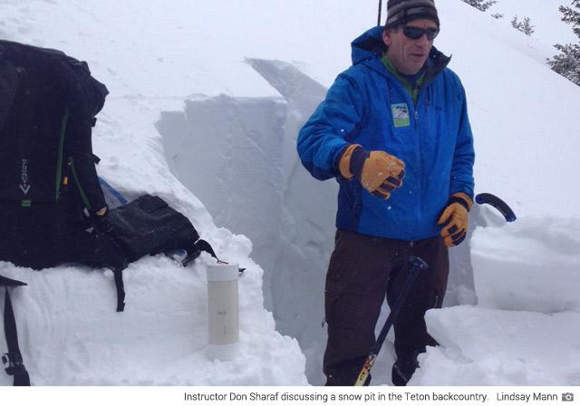 Snow pit instruction (Lindsay Mann)