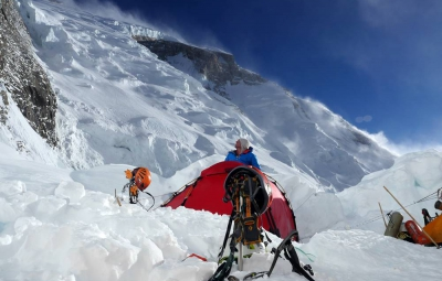 RMI Guide Alex Barber Leaving Annapurna to Help Those in Need after Nepal Earthquake