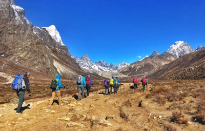 Everest Base Camp Trek: Grom & Team Trek to Lobuche