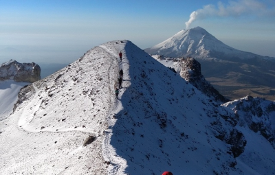 Mexico Volcanoes: Frank & Team Summit Ixtaccihuatl