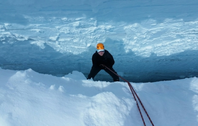 Mt. Rainier: Expedition Skills Seminar Crevasse Rescue and Ice Climbing Bonanza