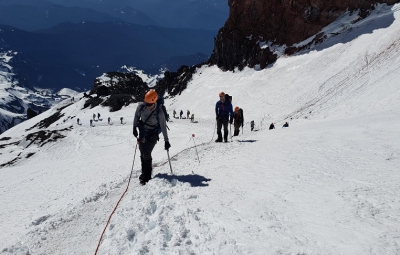 Mt. Rainier: Okita & Mazaika Take Their Teams to Ingraham Flats for Acclimatization