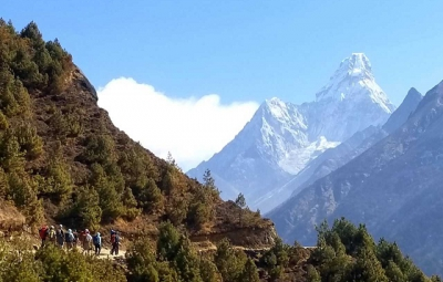 Everest BC Trek and Lobuche: Dale & Team Reach Deboche at 12,200'