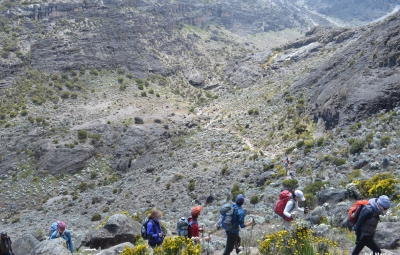 Kilimanjaro: Hahn & Team Conquer the Barranco Wall and Reach Karanga Camp