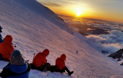 Mt. Rainier: Hahn & Knoff on Top!